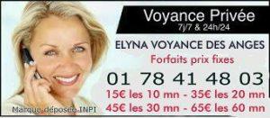 La jeune femme blonde Elyna vous propose des consultations avec des forfaits voyance
